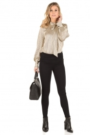 By Malene Birger | Pussybow blouse Aluda | ecru/zwart  | Afbeelding 4