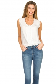 Knit-ted |  Top with lace Hanna | white  | Picture 4