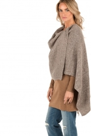 Knit-ted | Poncho Bernou | bruin  | Afbeelding 4