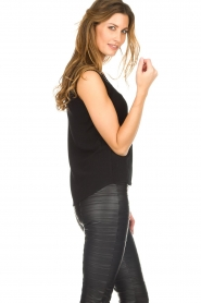 Knit-ted |  Top with lace Hanna | black  | Picture 5