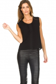 Knit-ted |  Top with lace Hanna | black  | Picture 4