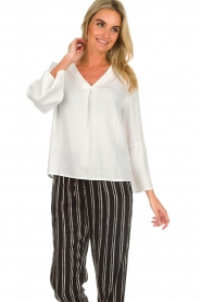Knit-ted | Top Hanneke | wit  | Afbeelding 4