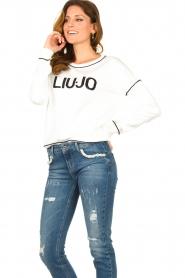 Liu Jo    Logo sweater Deluxe   white    Picture 5