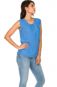 Knit-ted |  Top with tiny pleats Fay | blue  | Picture 5