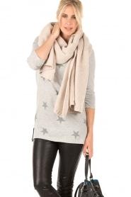 Knit-ted | Fijngebreide sjaal Sam | naturel  | Afbeelding 2