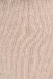 Knit-ted | Fijngebreide sjaal Sam | naturel  | Afbeelding 4