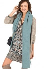 Knit-ted | Fijngebreide sjaal Sam | blauw  | Afbeelding 2
