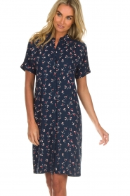 Knit-ted |  Dress with floral print Gigi | navy  | Picture 4