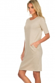 Knit-ted |  Dress with lurex finish Lies | beige  | Picture 5
