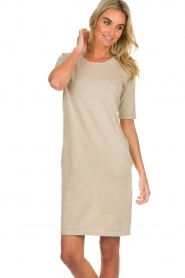 Knit-ted |  Dress with lurex finish Lies | beige  | Picture 4