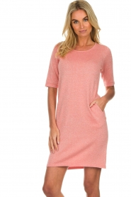 Knit-ted |  Dress with lurex finish Lies | pink  | Picture 4