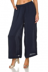 Knit-ted |  Shiny wide pants Vonda | navy  | Picture 3