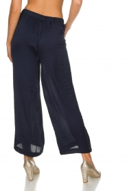 Knit-ted |  Shiny wide pants Vonda | navy  | Picture 5