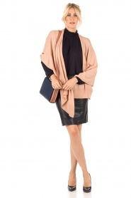 Knit-ted | Poncho Tara | roze  | Afbeelding 3