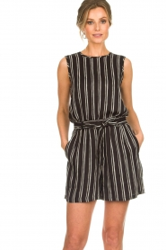 Knit-ted |  Shorts with vertical stripes Gisele | black   | Picture 2