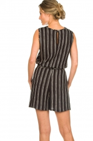 Knit-ted |  Shorts with vertical stripes Gisele | black   | Picture 5