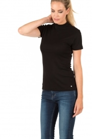 Top with collar Rakel | black