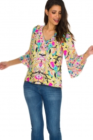 Alice & Trixie |  100% silk top Paisley | Yellow  | Picture 2