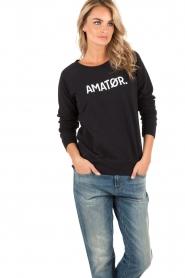 Amatør | Logo sweater Amator | donkerblauw  | Afbeelding 4