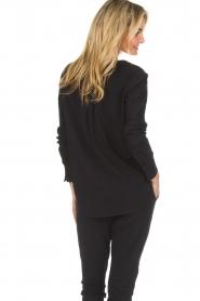 D-ETOILES CASIOPE |  Wrinkle free stretch top Regine | black  | Picture 6