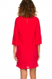 Kocca |  Dress with pleated sleeve ends Roches | red  | Picture 5