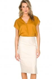 By Malene Birger |  Top Fiolana | gold  | Picture 2
