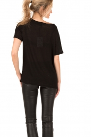 T-shirt with necklace Rikke | black