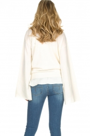Dante 6 |  Luxurious merino mix wrap sweater Avery | white  | Picture 6