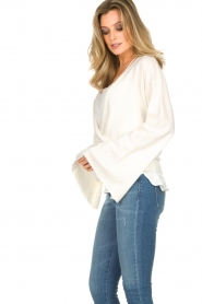 Dante 6 |  Luxurious merino mix wrap sweater Avery | white  | Picture 5