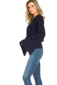 Dante 6 |  Luxurious merino mix wrap sweater Avery | blue  | Picture 4