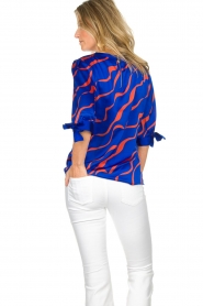 Dante 6 |  Satin top with bow cuffs Marble Print | blue  | Picture 5