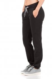 Juvia | Sweatpants Stripe | zwart  | Afbeelding 4
