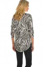 Aaiko |  Zebra top Merida | zwart  | Picture 5