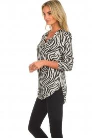 Aaiko |  Zebra top Merida | zwart  | Picture 4