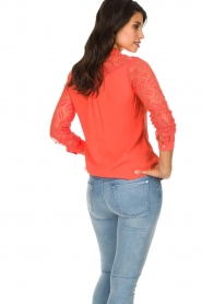 Aaiko |  Blouse with lace sleeves Cita | coral  | Picture 5
