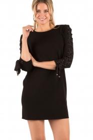 ELISABETTA FRANCHI | Lace-up jurk Carina | zwart  | Afbeelding 2