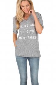 Zoe Karssen | T-shirt Youme | zwart en wit   | Afbeelding 2