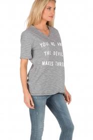 Zoe Karssen | T-shirt Youme | zwart en wit   | Afbeelding 4