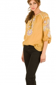 Antik Batik | Lace-up top Danah | geel  | Afbeelding 4