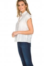 Knit-ted | Top met borduursels Alice | gebroken wit  | Afbeelding 3