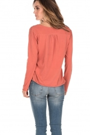 Leon & Harper | Lace-up top Manche | terracotta  | Afbeelding 5