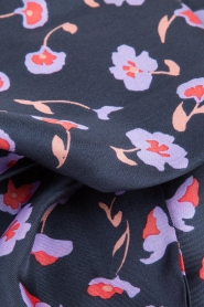 Becksöndergaard |  Silk scarf Slimmy Jillian | dark blue  | Picture 3