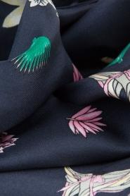 Becksöndergaard |  Silk scarf Slimmy Thyme | Dark blue  | Picture 3