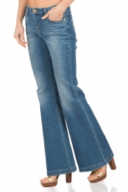 MICHAEL Michael Kors | Flared jeans Orlando | blauw  | Afbeelding 4
