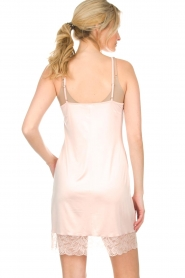Hanro |  Slip dress with lace Fleur | pink  | Picture 5