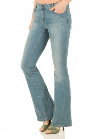 Set | Flared jeans Romy lengtemaat 34 | lichtblauw  | Afbeelding 4