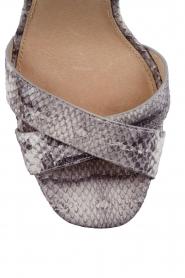 MICHAEL Michael Kors | Leren sandalen Divia | slangenprint grijs  | Afbeelding 6
