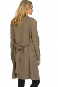 Arma |  Studio Ar trench coat Cecilia | green  | Picture 7