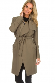 Arma |  Studio Ar trench coat Cecilia | green  | Picture 2