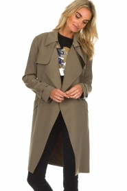 Arma |  Studio Ar trench coat Cecilia | green  | Picture 4